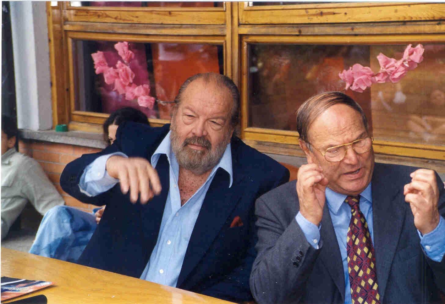 Da sinistra Bud Spencer e l'avv. Giuseppe Castronovo, Presidente della IAPB Italia onlus, che ha promosso la campagna