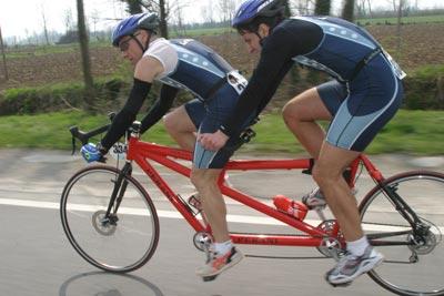 Ciclisti in tandem