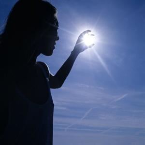 Donna che 'prendé il sole