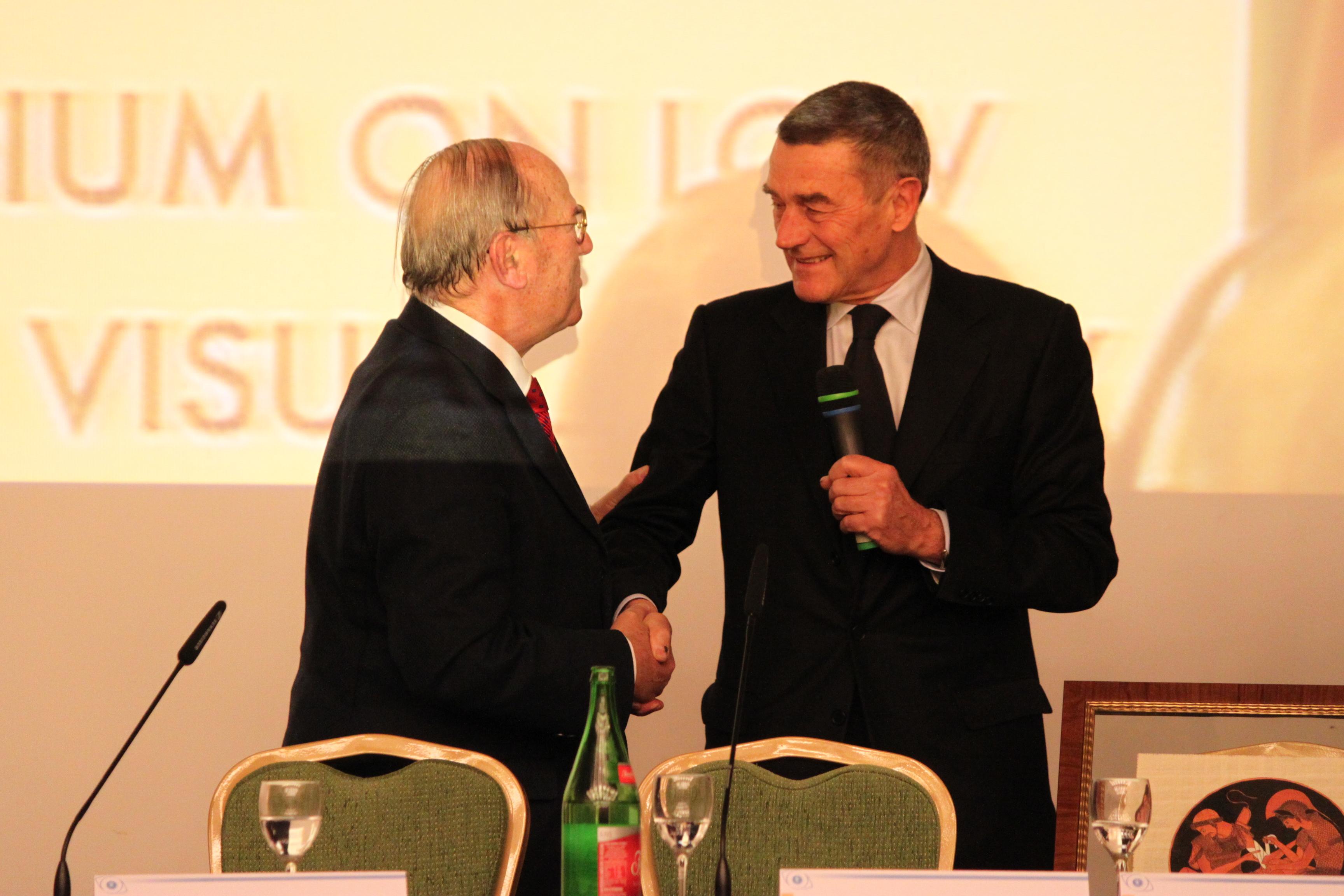 Da destra: il Ministro della Salute Ferruccio Fazio e l'avv. Giuseppe Castronovo, Presidente della IAPB Italia onlus