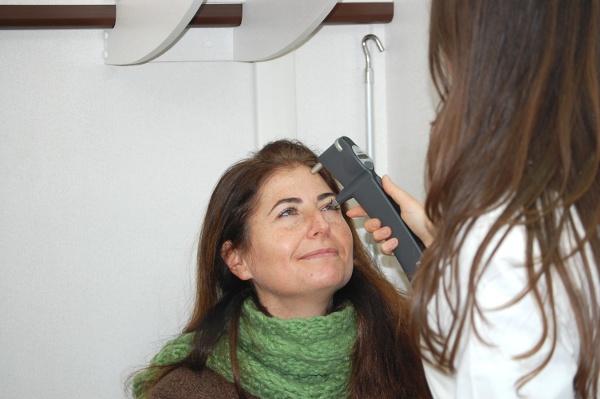 Controllo della pressione oculare (con tonometro)
