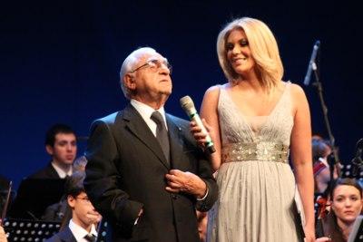 Premio Braille 2011. A sinistra Tommaso Daniele (UICI) con Eleonora Daniele il 9 novembre presso l'Auditorium Parco della Musica di Roma