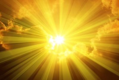 Raggi solari (foto freedigitalphotos.net)