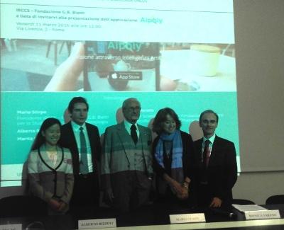 Sulla sinistra Marita Cheng e Angelo Rizzoli, due degli inventori della nuova App utile ai disabili visivi. Al centro il Prof. Mario Stirpe (Presidente della Fondazione Bietti e della Commissione nazionale prevenzione cecità)